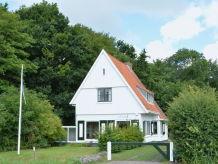Ferienwohnung Charmantes Ferienhaus mit riesigem Garten (DOB16)