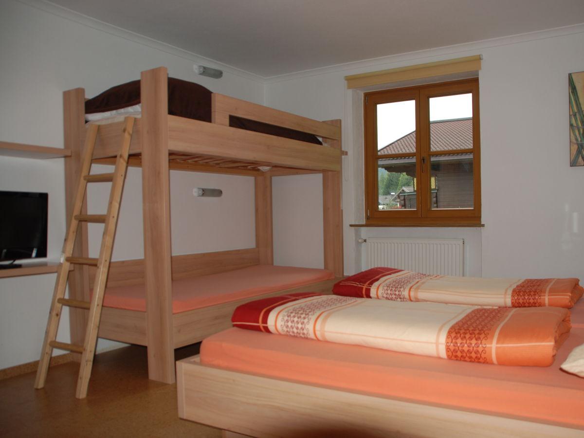 ferienwohnung mit eigenem balkon leogang herr werner meissner. Black Bedroom Furniture Sets. Home Design Ideas