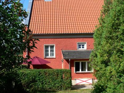 Giebelhaus mit Seeblick und Garten