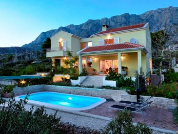 Holiday house Krasna villa with Pool