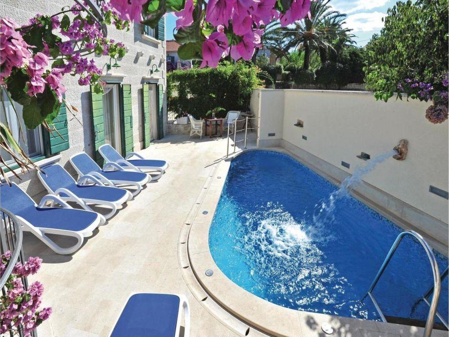 Außenaufnahme Angelo villa with pool