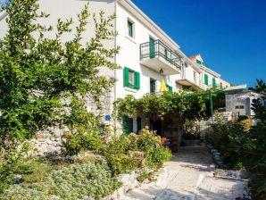 Holiday house Dea Podgora Top Prices
