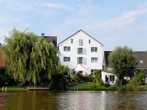 Ferienwohnung Historischer Kornspeicher direkt am Fluss