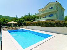 Villa Villa Lovric mit privatem Pool,Jacuzzi,Sauna und Schenke, Unterkunft fuer 8 Persone