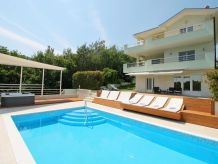 Villa Villa Lovric with Pool,Jacuzzi,Sauna, 8 Person