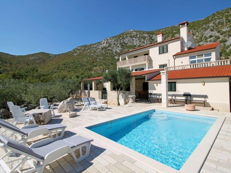 Villa Mein Stein für 12 Pers. – Omis,Split, Kroatien