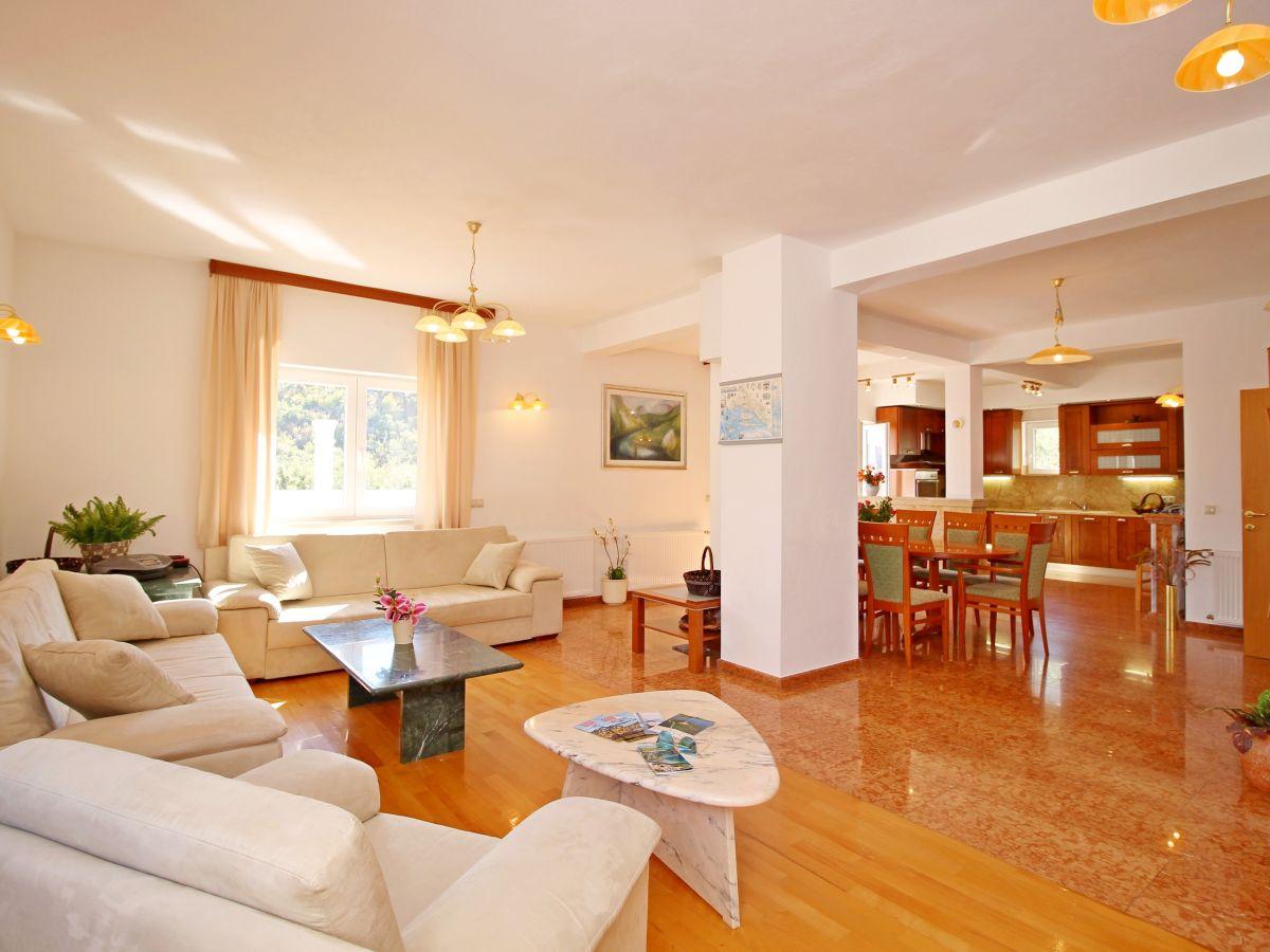 villa mein stein f r 12 pers omis split kroatien kroatien mitteldalamtien split omis. Black Bedroom Furniture Sets. Home Design Ideas