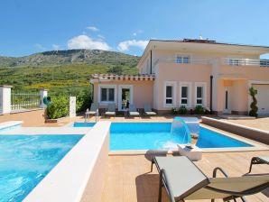 Villa Milla with private pool