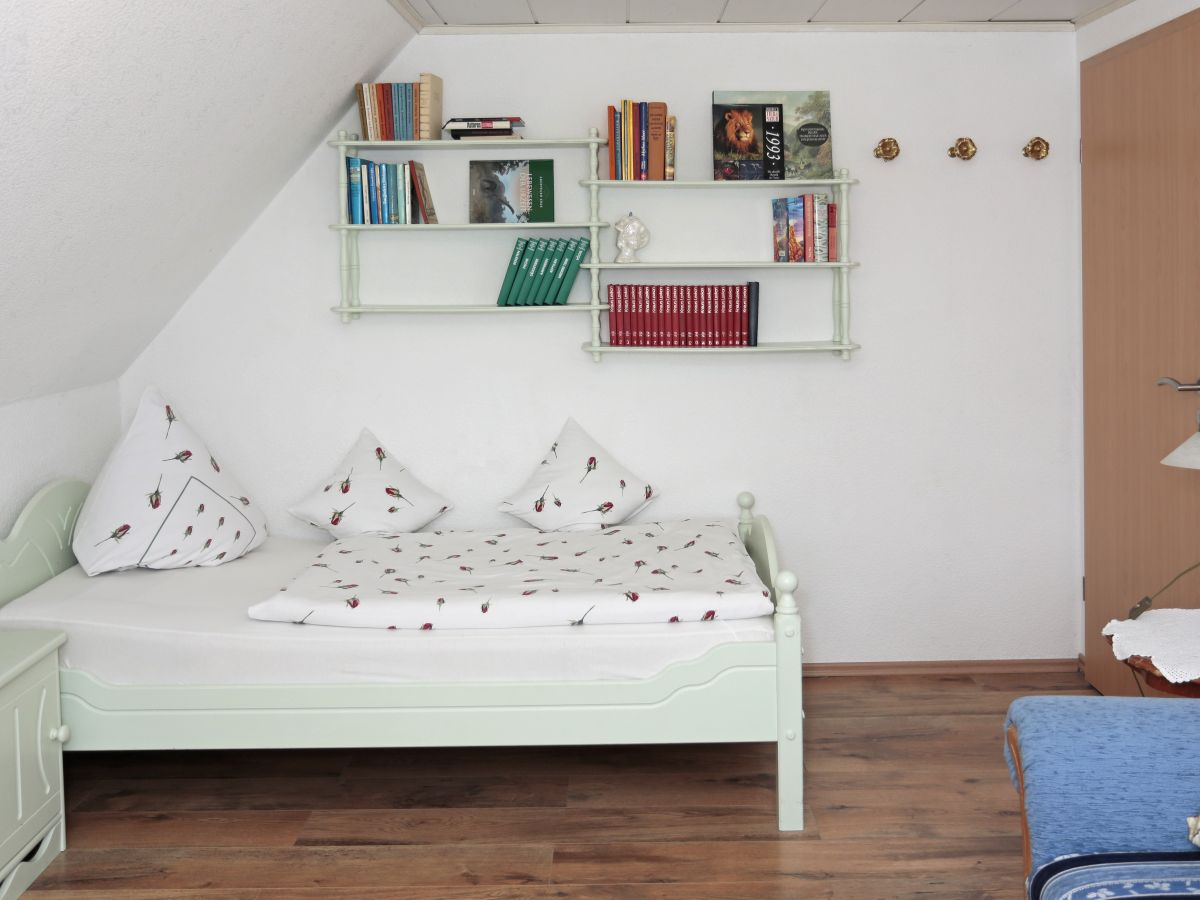 Ferienwohnung im rosengarten nordsee insel borkum familie ohlsen - Wohn schlafzimmer modern ...