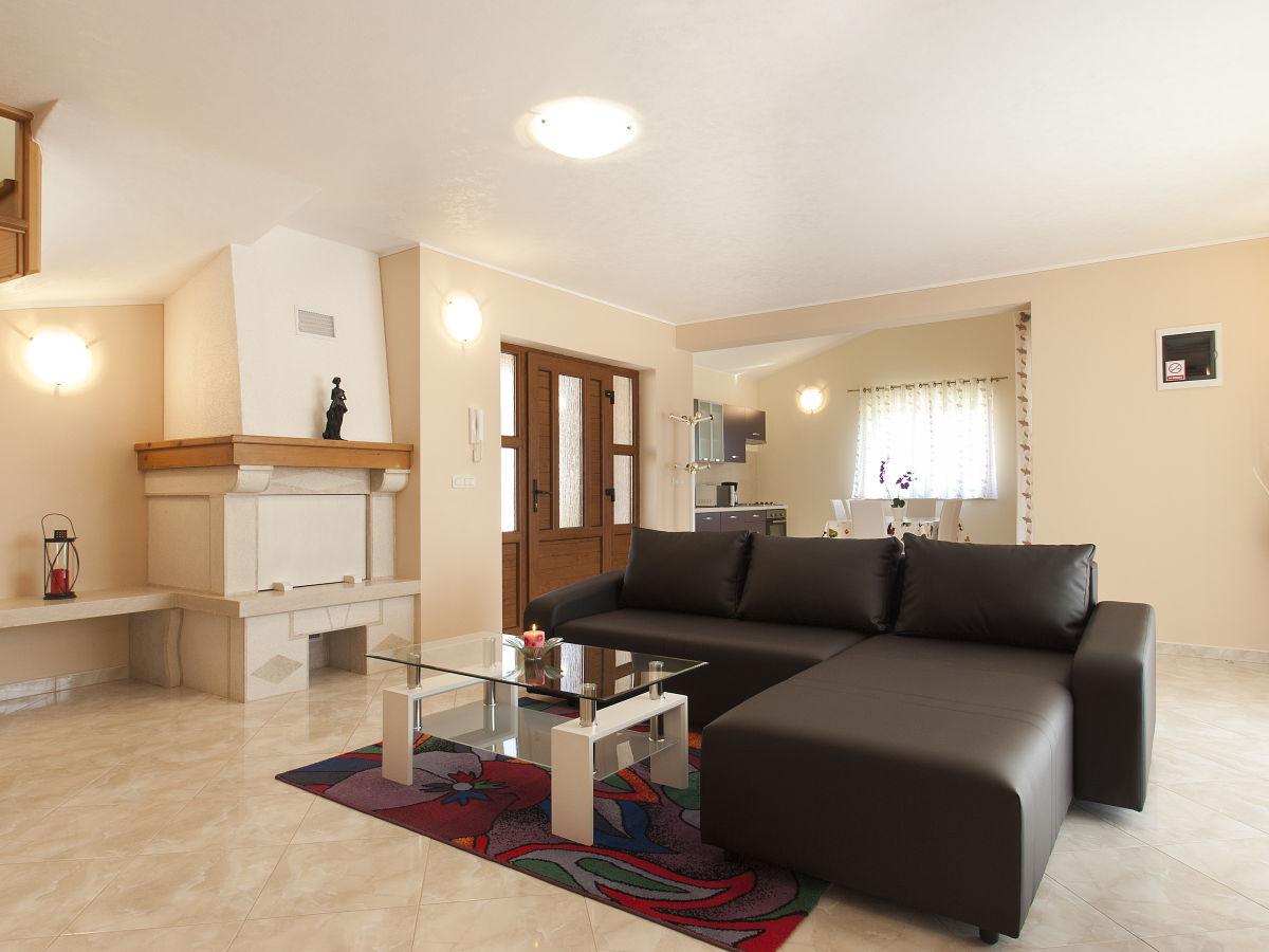 villa paris iii istrien firma eurotours porec mr. Black Bedroom Furniture Sets. Home Design Ideas