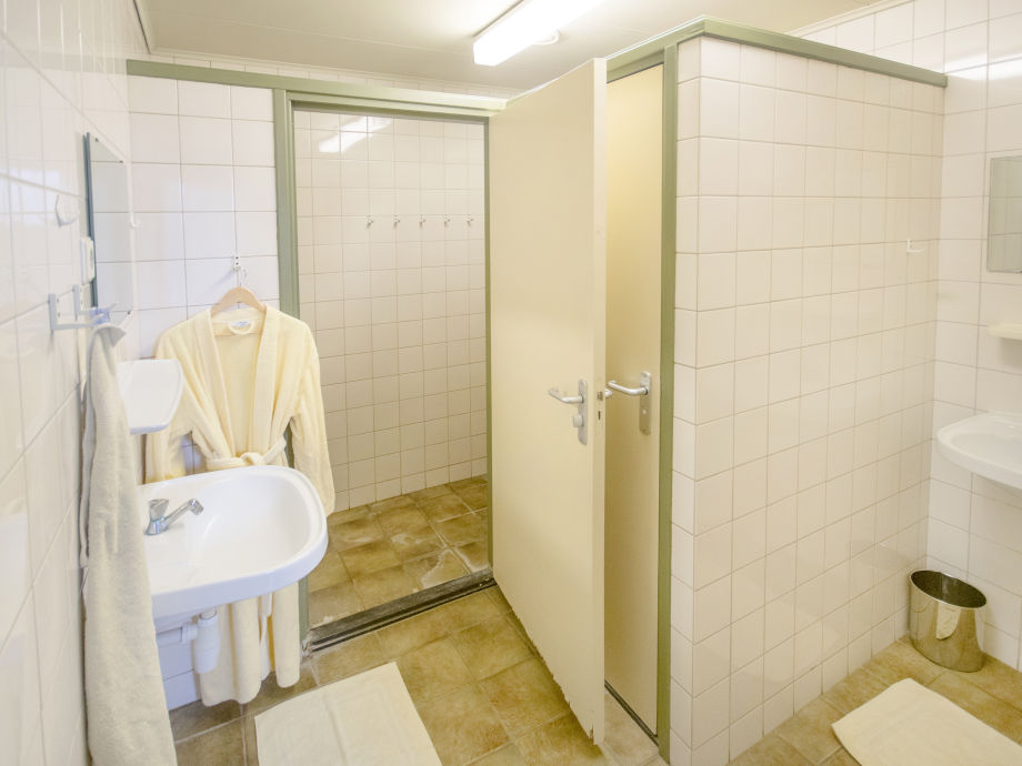 4 Badezimmer