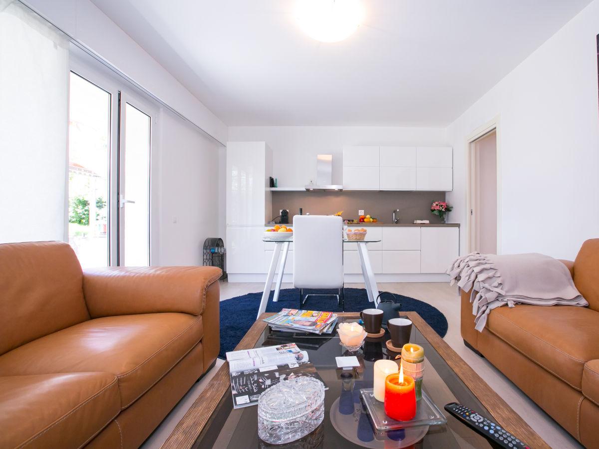 apartment piccolo principe 1808 lugano collina d 39 oro schweiz firma happy holiday homes. Black Bedroom Furniture Sets. Home Design Ideas