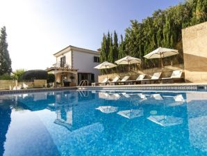 Villa Calana
