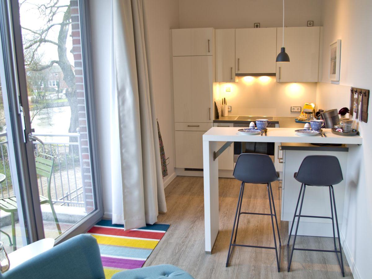 ferienwohnung villa am schwanenteich whg 0 3 ostsee fehmarn frau rita thelosen. Black Bedroom Furniture Sets. Home Design Ideas