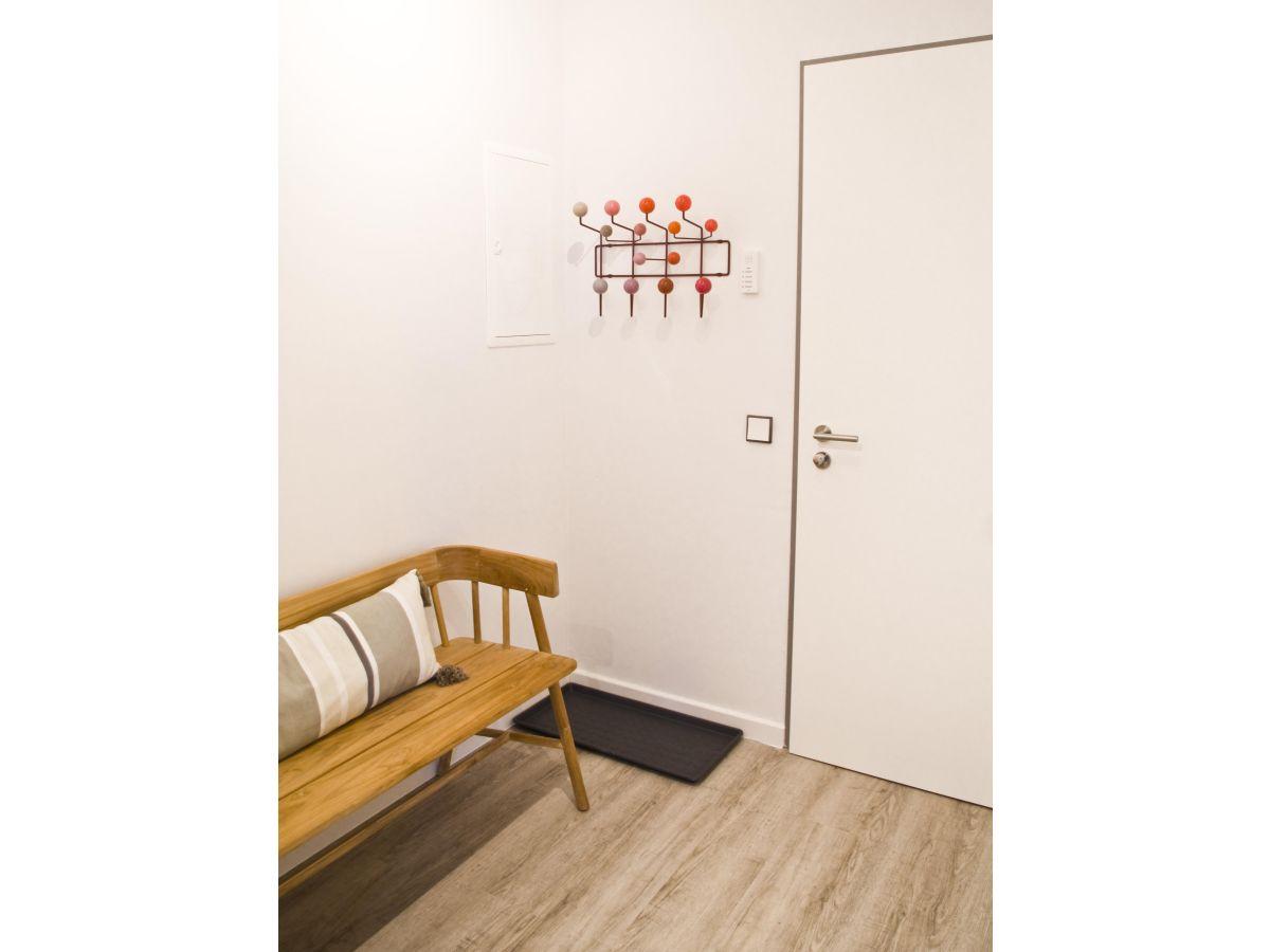 Ferienwohnung villa am schwanenteich whg 0 4 ostsee for Flur garderobe sitzbank