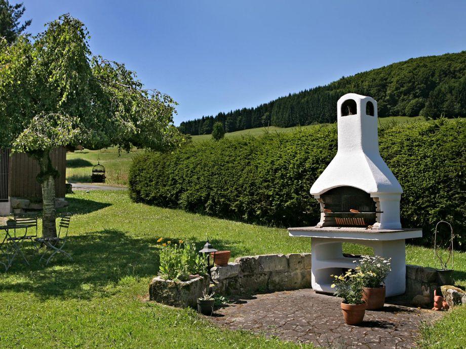 Ferienhaus anja bayerische rh n motten firma werner for Gemauerter grill