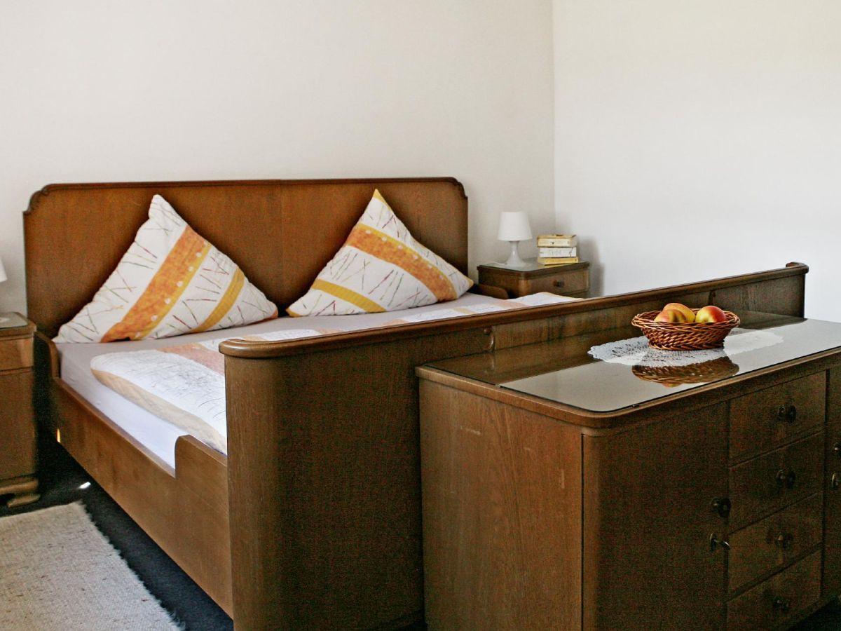 Kleine Motten Im Schlafzimmer. Luxus Satin Bettwäsche ...
