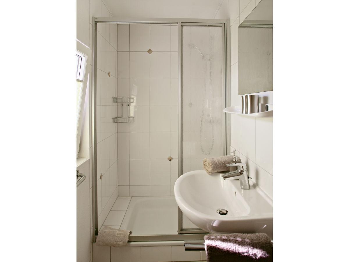 ferienhaus heidi bayerische rh n motten firma werner und anneliese paltian gbr frau. Black Bedroom Furniture Sets. Home Design Ideas