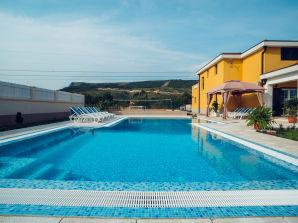 Relax pool villa
