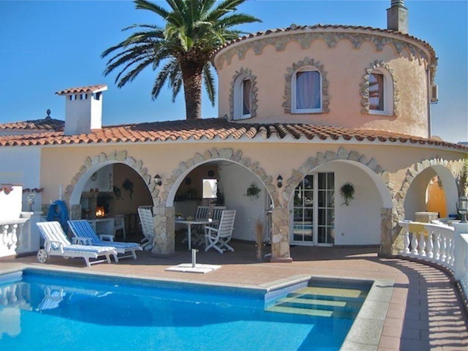 Außenaufnahme Casa Estrelle w.private pool and mooring