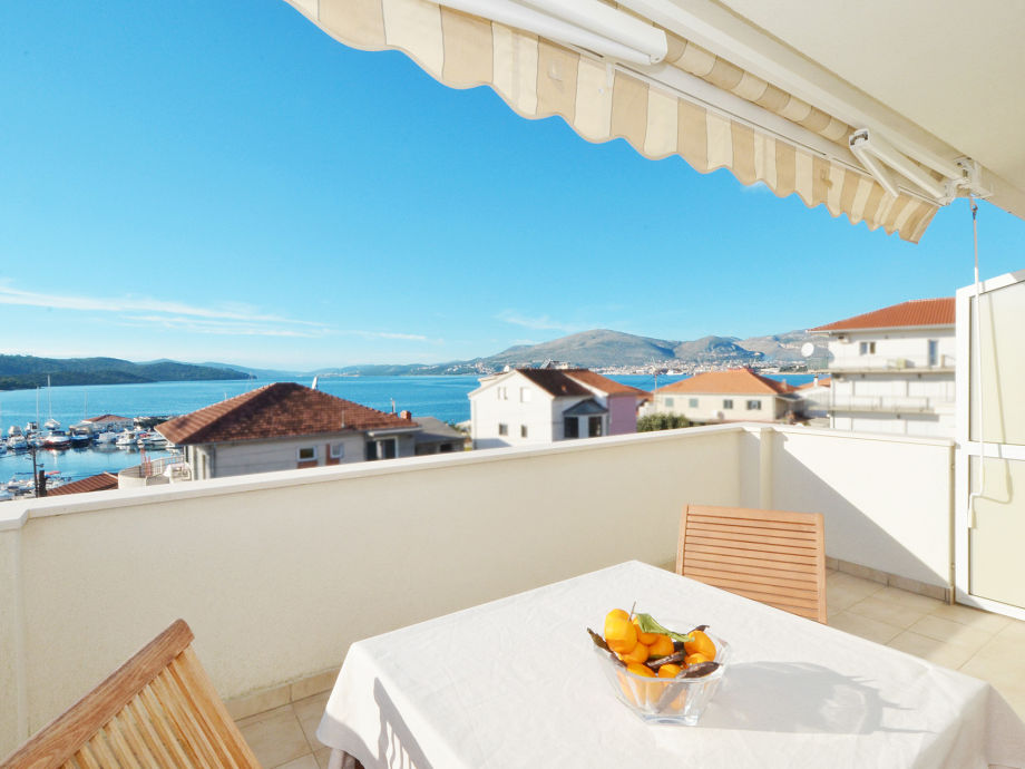 Private 10m2 terrace with sea view
