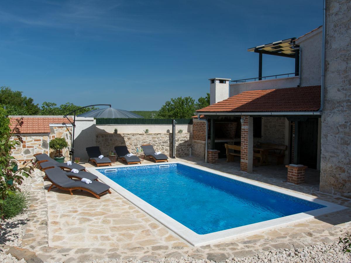 Ferienhaus rocco suko an debeljak firma lotos tours - Formentera ferienhaus mit pool ...