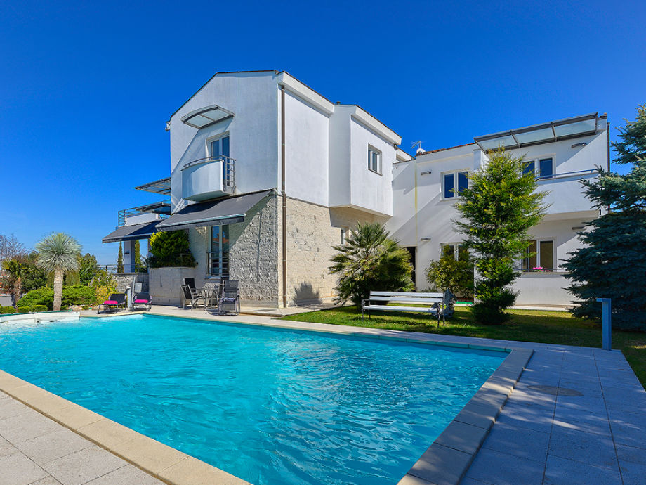 Villa Nicol mit Pool