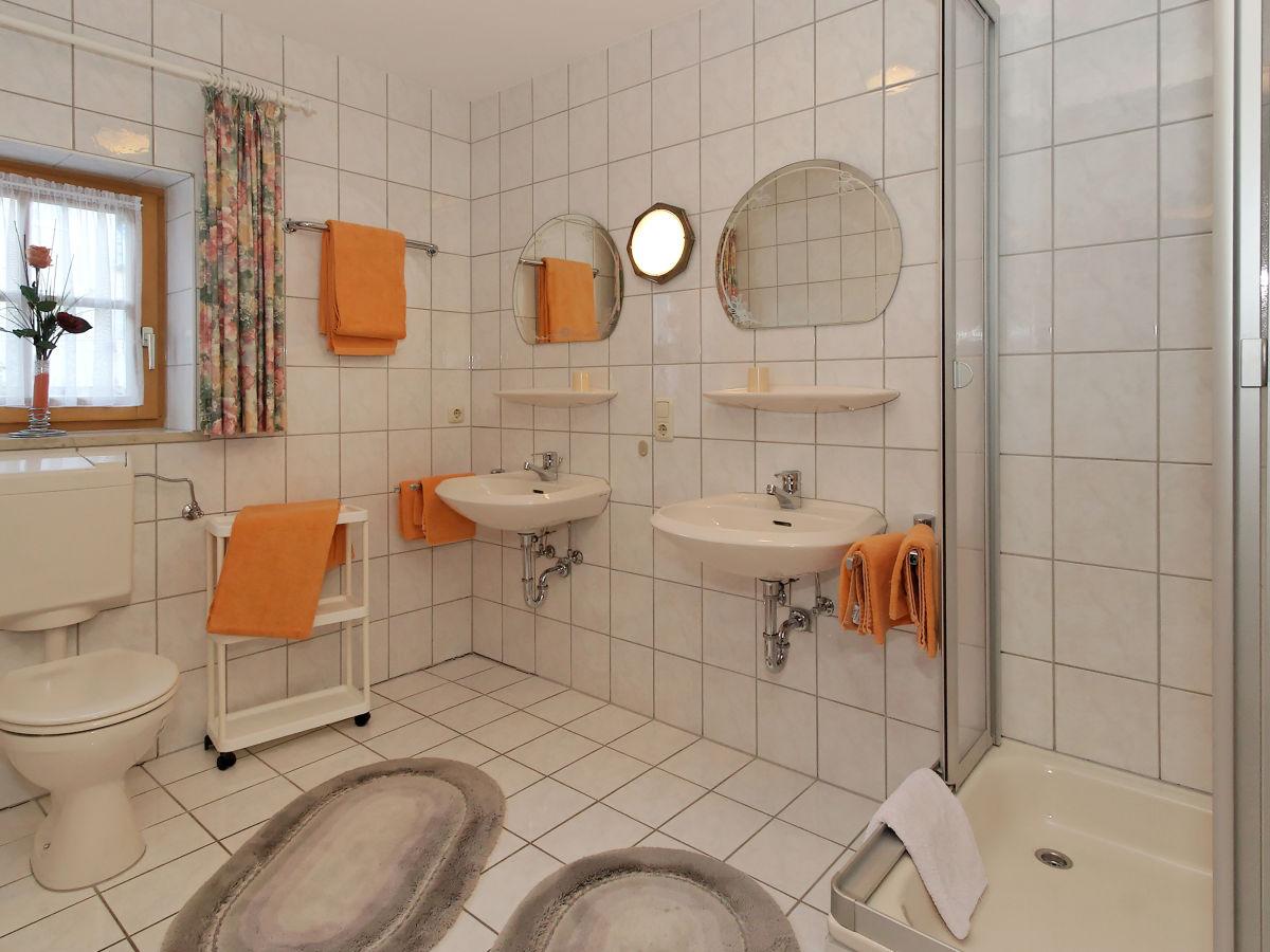 Ferienhaus waldfrieden spiegelau herr franz treml - Traum badezimmer ...