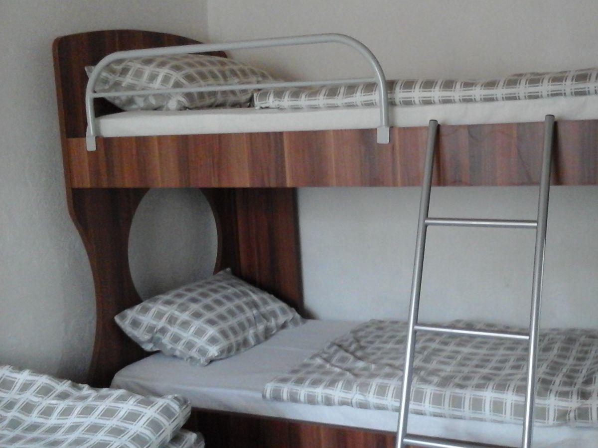 hochbett 2 personen innenarchitektur die elegant hochbett 2 personen bau eines hochbett bei. Black Bedroom Furniture Sets. Home Design Ideas