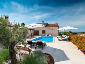 Villa Vial 2