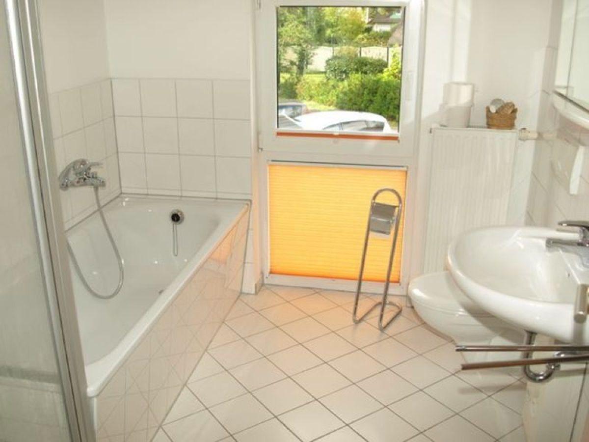 ferienhaus doppelhaus im weidenweg 06 in karlshagen ostsee usedom firma usedomtourist frau. Black Bedroom Furniture Sets. Home Design Ideas