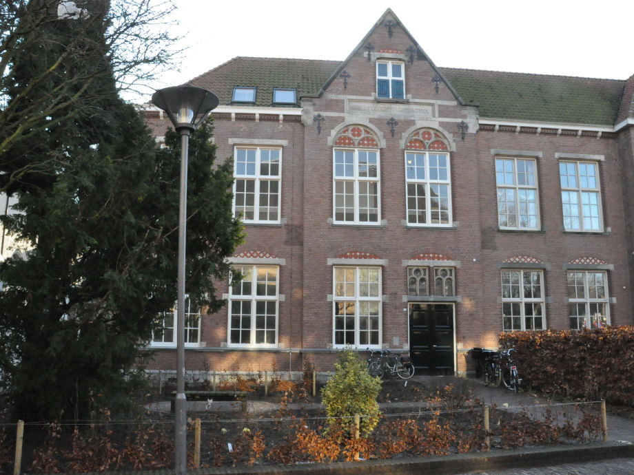 Außenaufnahme De Oude HBS / Penthouse / Geschiedenis