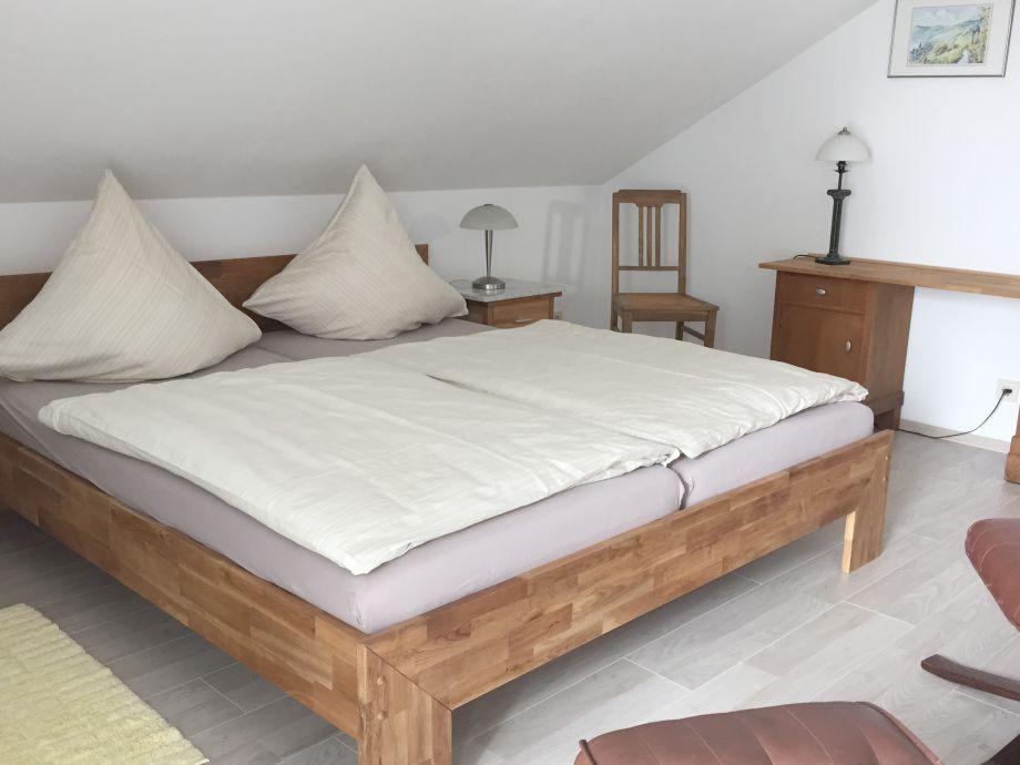 Ferienwohnung panoramablick mosel frau jutta van diest kallfelz - Wohn schlafzimmer modern ...