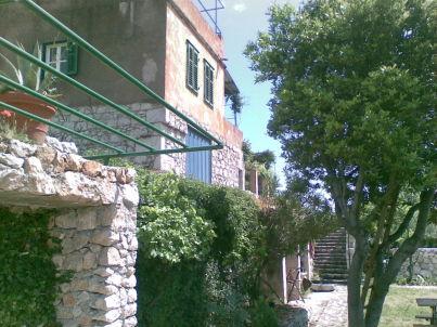 Steinhaus Ante mit Meerblick