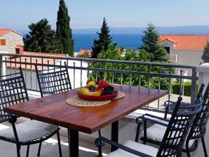 Holiday apartment Bol Lena 4