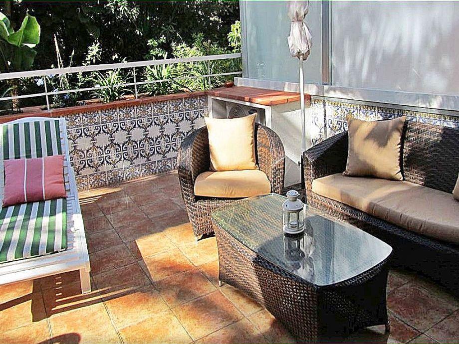 Terrasse und hochwertige Gartenmöbel