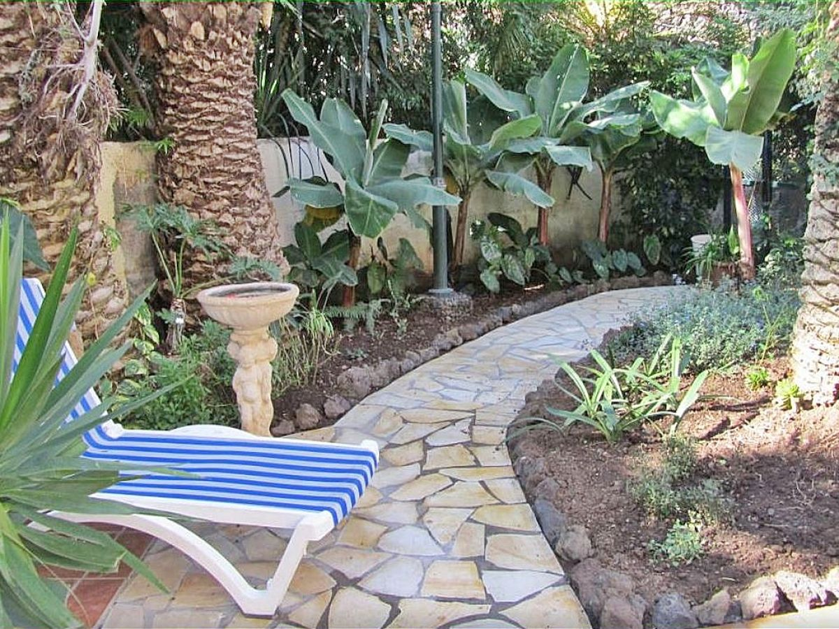 ferienwohnung amaryllis teneriffa firma fewo chiripamentos s l frau gabi schumann. Black Bedroom Furniture Sets. Home Design Ideas