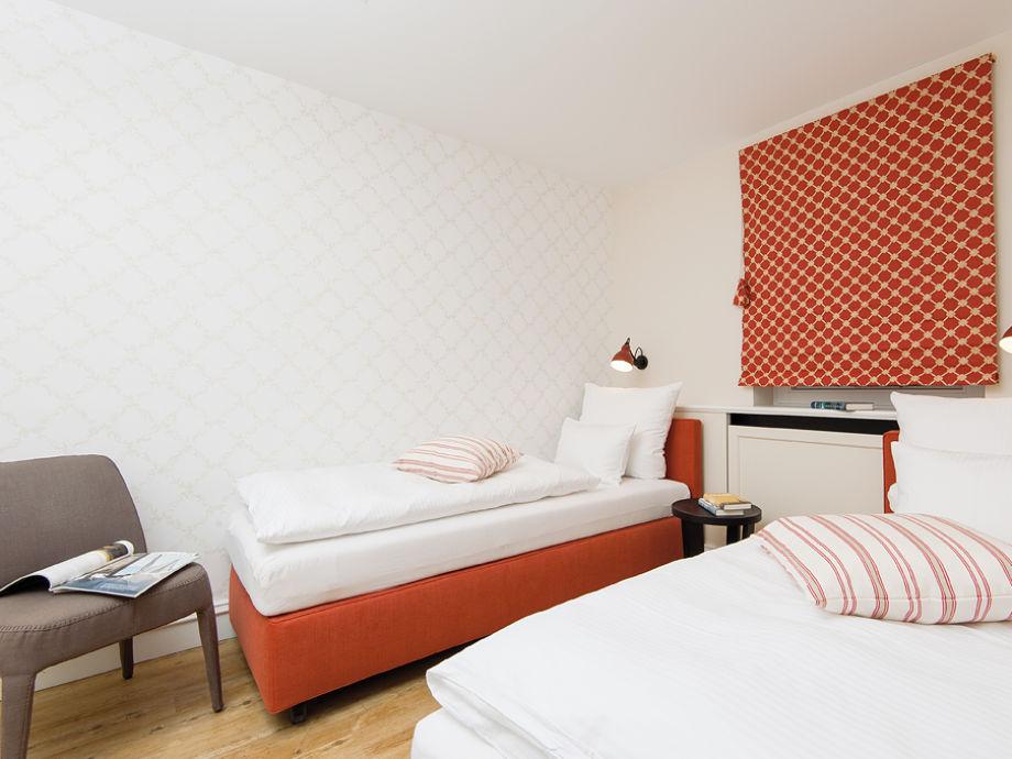 ferienhaus rasmus 5 sylt kampen firma appartements mehr herr markus wenzel. Black Bedroom Furniture Sets. Home Design Ideas