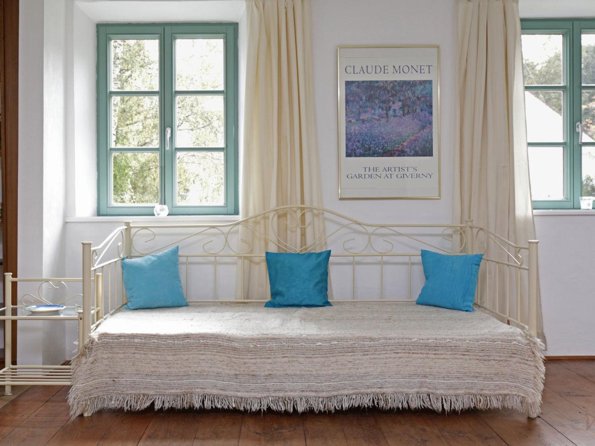 moderne dekoration kleines jugendzimmer gemutlich. Black Bedroom Furniture Sets. Home Design Ideas