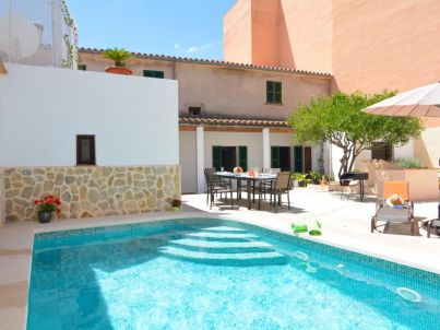 Mallorca Town House with pool disabled welcome