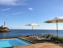 Villa Luxuriöse Villa direkt am Meer