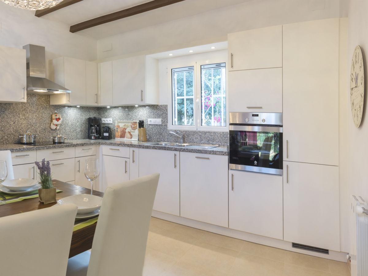 Ferienhaus villa marquesa denia firma pickel und partner for Kuchenzeile komplett