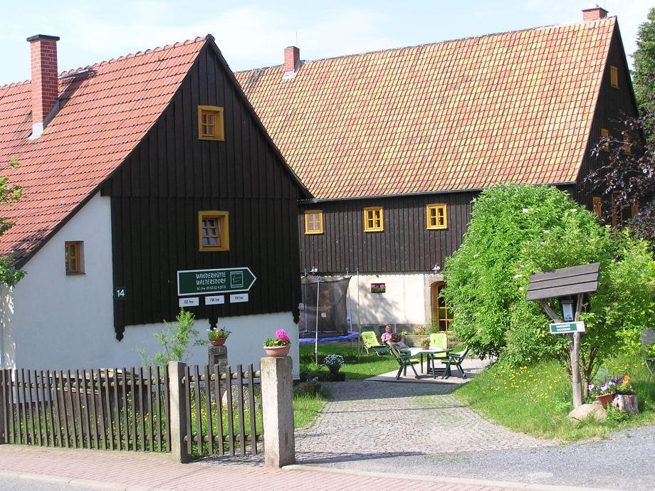 """Ferienhaus """"Wanderhuette"""" vorn links"""