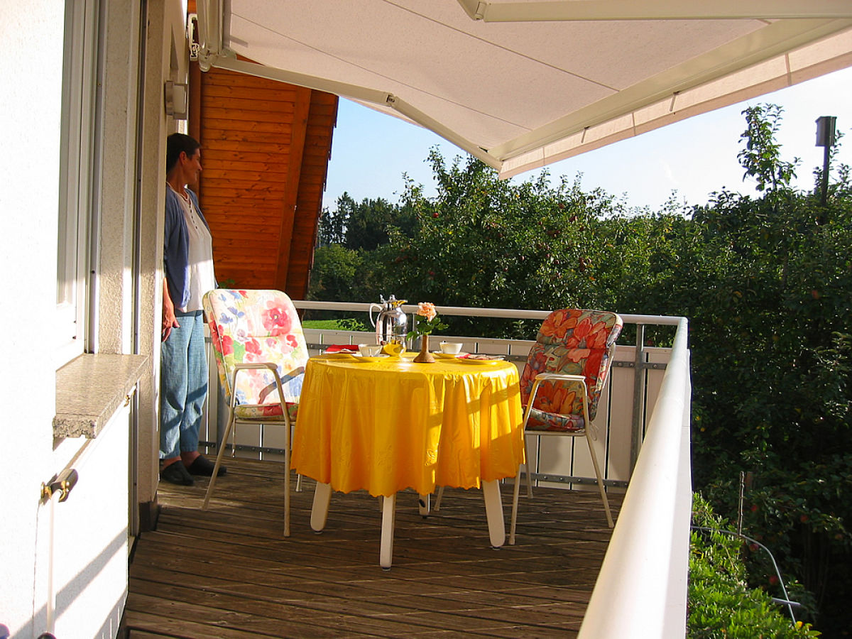 Ferienwohnung talmon bodensee uberlinger see for Markise balkon mit tapeten farbe