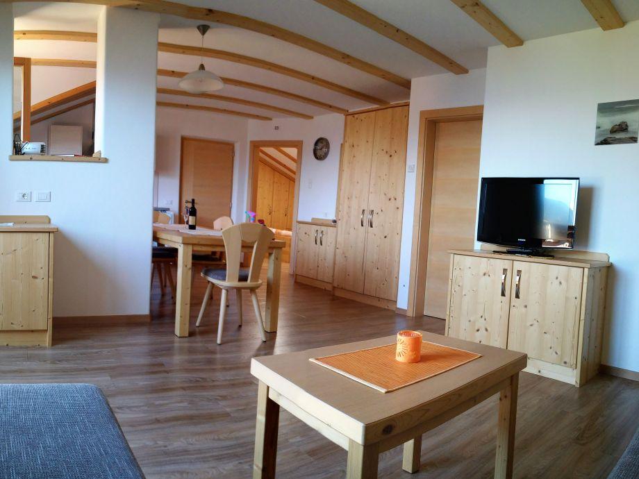 Wohn-Essbereich in der Ferienwohnung