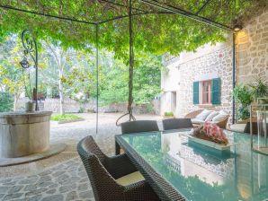 Villa Can Pati