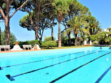 Holiday house Holiday home with pool: 100% relaxation and peace