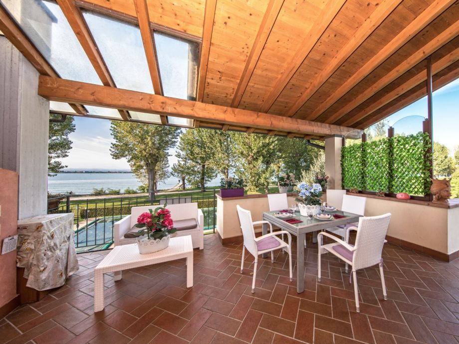 Private terrace with view to the lake Garda