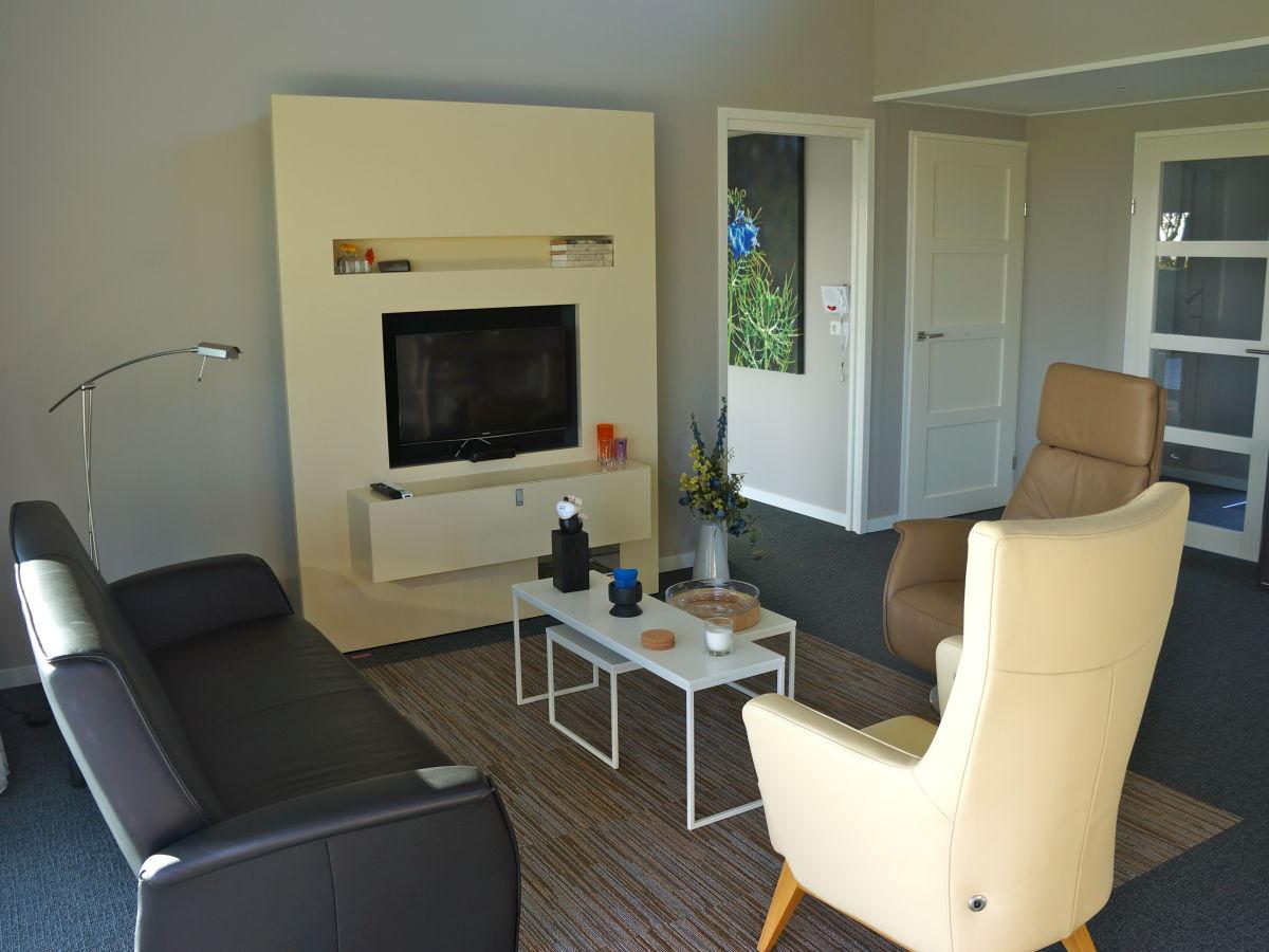ferienhaus paul kaiser zonnemaire firma sorglos urlaub in zeeland frau lara koppenaal. Black Bedroom Furniture Sets. Home Design Ideas