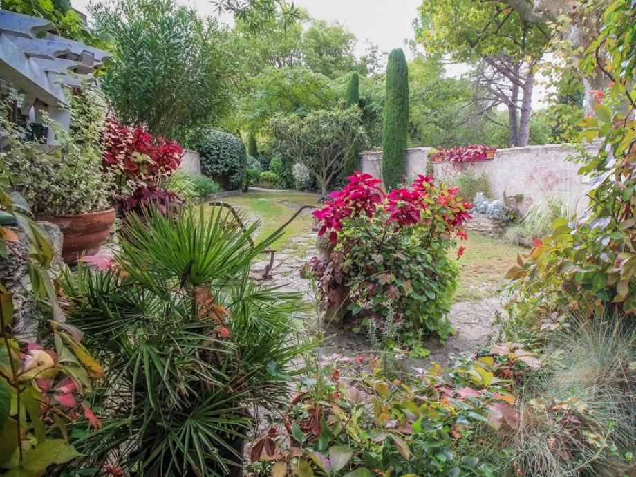 Landhaus mas des fleurs provence saint remy de provence for Gartenpool 5m